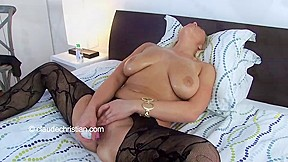 Beauty with large mangos makes her fur pie flow receives agonorgasmos