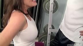 Workout bitch bella roxx and her kinky...