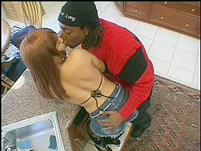 Black amateur chugging dick...