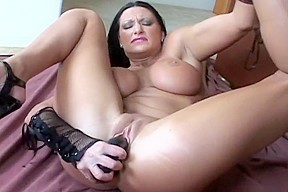 Holly double penetrates herself...