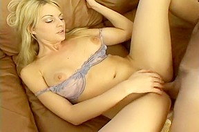 Sexy Sindy Drives Her Man Into A Frenzy