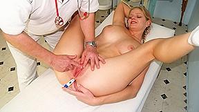 Horny Jenny gets multiple orgasms at gyno