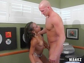 Jada kisses cock but doesnt make the cut...