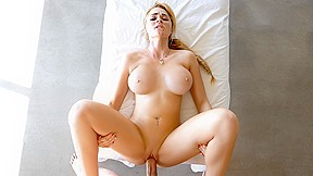 Blonde masseuse passionhd...