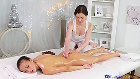 Daphne angel nicole love in tiny girl massagerooms...