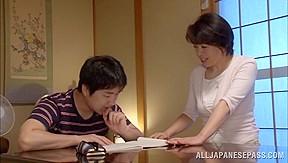 Chiaki Takeshita arousing mature Asian babe in position 69