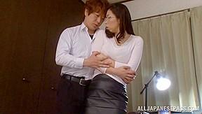 Yukino Shindou hot mature Asian model gets it doggy style
