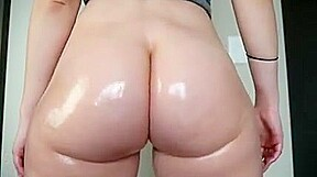 Butt flexing and bouncing...