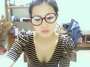 Webcam cute girl 03...