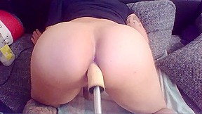 Anal fuckmachine with milk squirt...