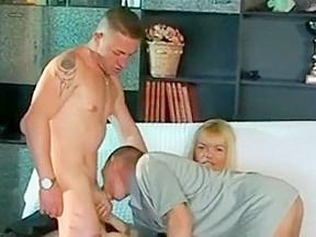 Threesomes milfs...