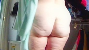 Housewife jiggly ass exposed 4...