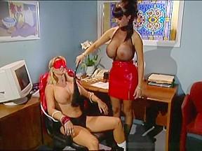Sindee coxx alexandra silk and summer cummings spanking...