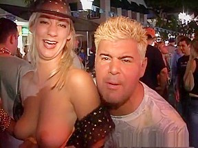 Crazy exotic striptease video...