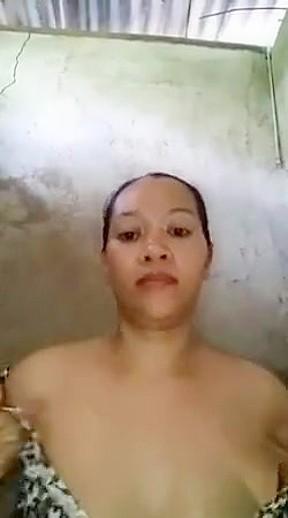 Pinky usam hot filipino fucking with big eggplant...
