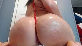 Huge ass latina shakes on cam...
