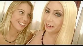 2 girls 885...
