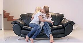 2 girls 983...