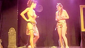 Naked performance show mein...