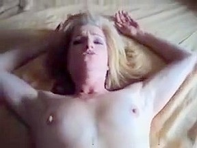 Sexually Horny woman I'd like to fuck acquires a warm facial