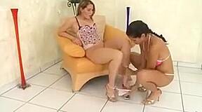 lesbian N110...