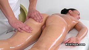 Masseur massage table...