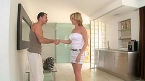 Laraan receives an anal creampie