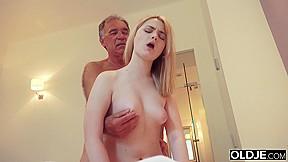 sex pussy leakage photos