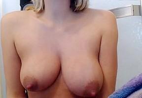 New mom milks her tits