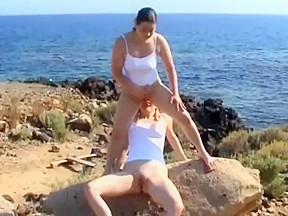 Crazy outdoor porn clip...