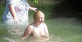See through clothes bathing voyeur...