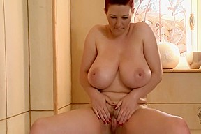 Vanessa Dips Her Boobs In the Tub And Toys in Her Twat!!!