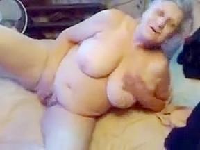 Exhibitionist slut to be watched masturbating...