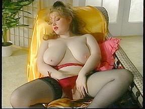 Hawt hirsute big beautiful woman fingers herself