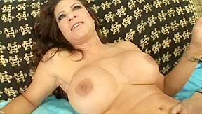Teri Weigel- Ideal Bushy Lady