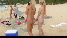 Photoshoot 2 two babes peeing...