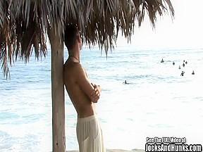 Surfs and jacks off on himself...