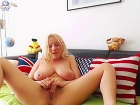 masturbating N153...