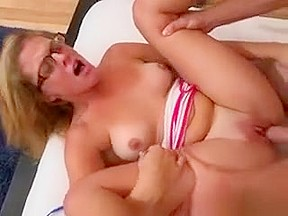 Sexy Cougar Kendra Lynn Gets Caught Cheating With The Driver