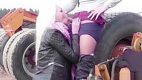 Hot seduce to fuck outdoor...