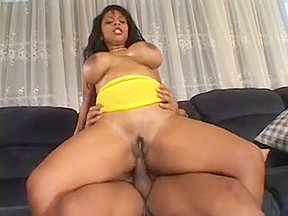 Curvy black babe loves taking it from the back