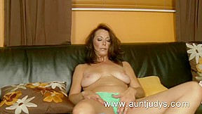 Hot Mother I'd Like To Fuck Mimi Moore finger copulates her cookie