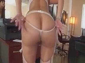 Latina milf round ass...