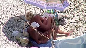Kinky on public beach sex...