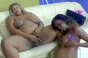 Babes licking pussies in foursome...