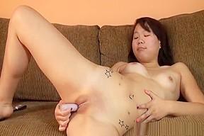 Babe plays slit...