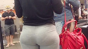 Candid booty pawg in cafeteria...