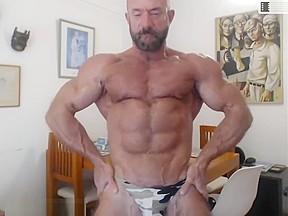 Daddy silver bodybuilder...