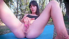 Skinny girl nude exercise outdoor until she squirts...
