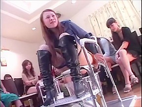 Japanese girls drown their slave in piss...